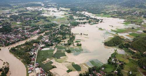 Contoh Teks Eksplanasi Tsunami banjir